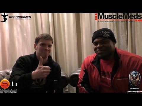 Le bodybuilding de vidéo arnold le classique