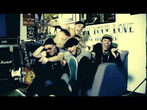 The Fialky - THE FIALKY - Herečka (videoklip 2010)