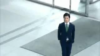 玉山鉄二CMロッテACUO「喜びダンス」篇