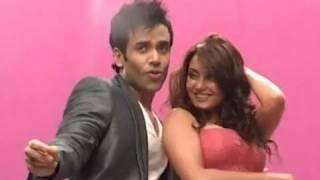 Minisha Lamba and Tusshar Kapoor On Location 'Hum Tum Shabana' Song Shoot   Bolly2box