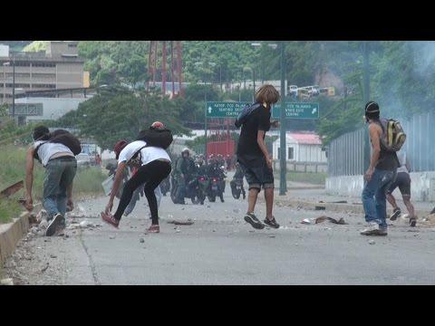 Dictadura venezolana sigue arremetiendo contra el pueblo