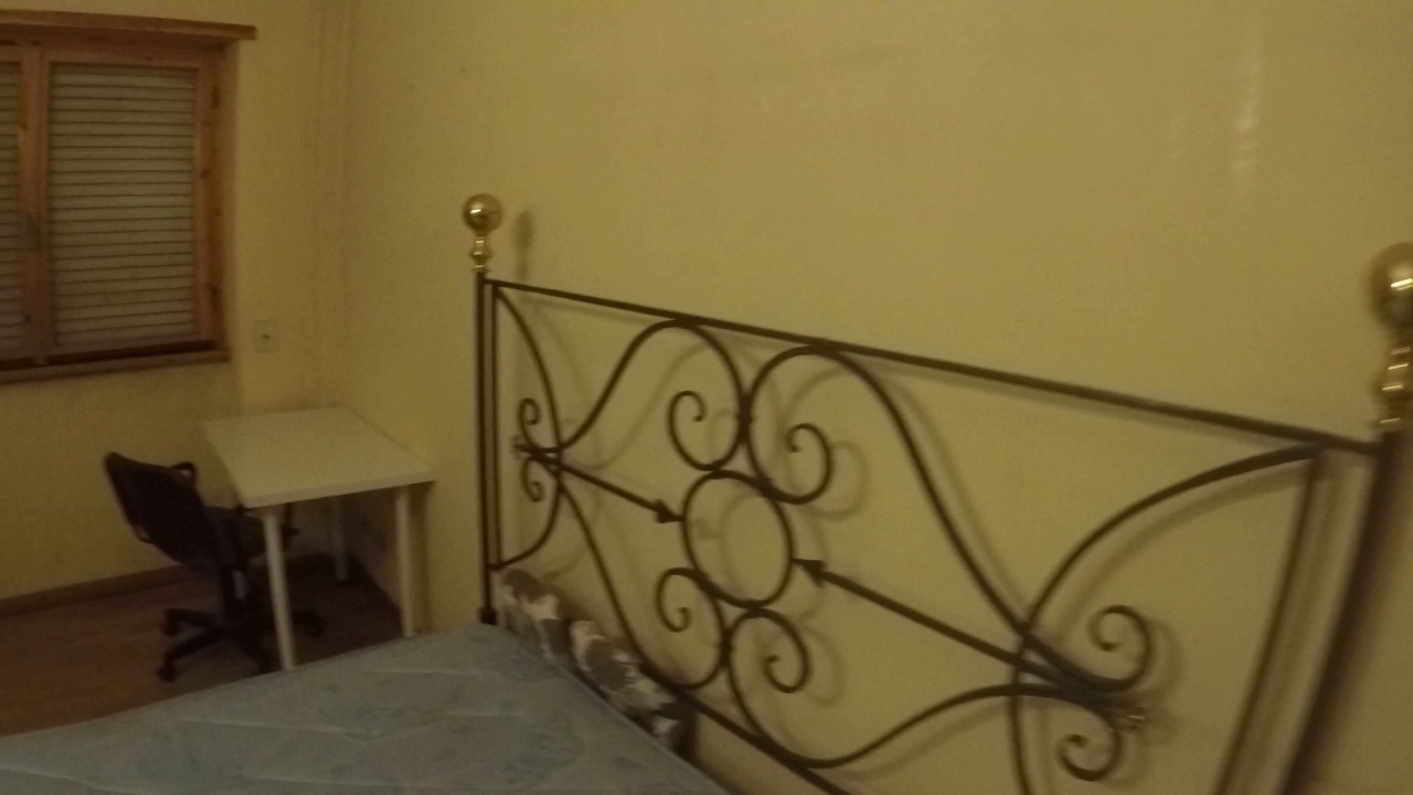Spacious room with wardrobe in 5-bedroom apartment, Ostiense