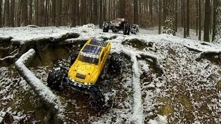 preview picture of video 'Trail in the forest nearby the city of Pilsen, CZ - RC cars Traxxas E-Maxx, Summit'