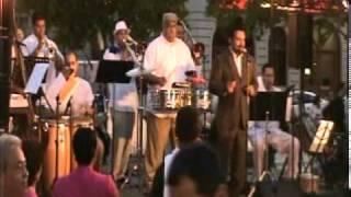 JOSE LESLIE ESCOBAR y su ORQUESTA: Salsa en La Plaza de Caguas, PR  - Rosita Elena