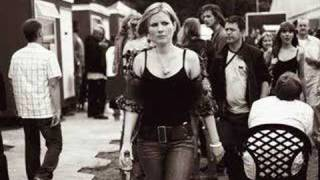 Dido - Isobel (live at Brixton)