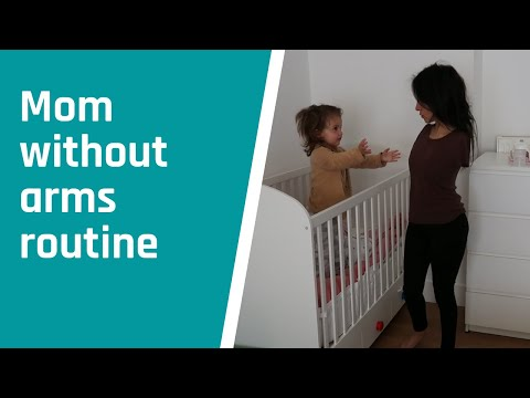 Rutina Matutina Mujer Cuidando De Su Hija