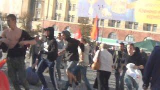 Харьков Нападение Правого Сектора на Митинг Антимайдана! Right Sector Attacked Antimaydan Rally!