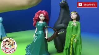 Brave Disney Magiclip Story Gif Set With Merida & Mom Queen Elinor Bear Magic Clip Fashion Doll