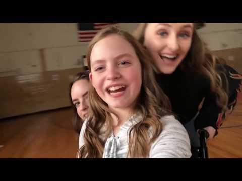 On set vlog!! On set of Catch 22