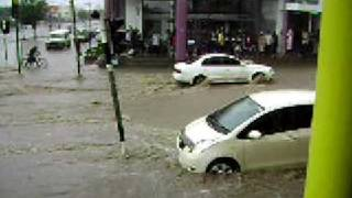 preview picture of video 'Tete Mozambique Flash Flood 2'