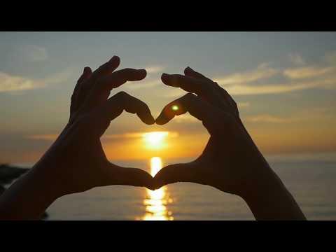 Футаж сердце из рук людей: подборка из 10 видео hd