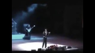 Киркоров пытается   стебаться над Лепсом на концерте в Сочи