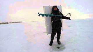 Защита на зимней рыбалке от ветра