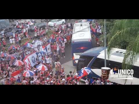 """Ultra Fiel recibe a Club Olimpia Deportivo en San Pedro Sula"" Barra: La Ultra Fiel • Club: Club Deportivo Olimpia • País: Honduras"