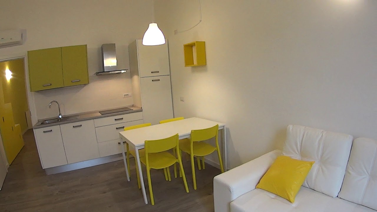 Colourful 1-bedroom apartment for rent in Stazione Centrale
