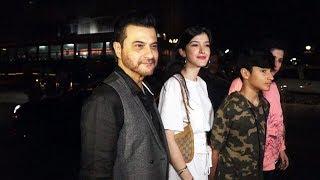 Sanjay Kapoor With Family At Soho Reastaurent | Watch Video