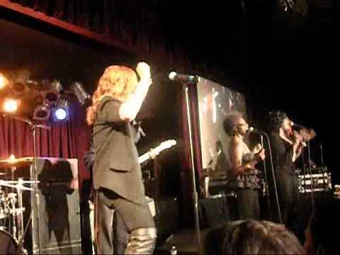 "Faith Evans ""I Don't Need It"" Live at B.B. Kings 10/5/10"