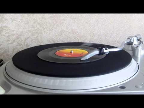 Johnny Nash - Rock It Baby (Baby We've Got A Date) (CBS 1975).