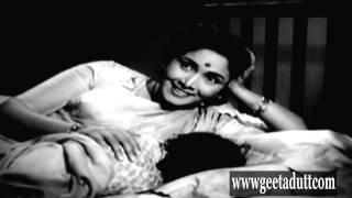 Sujata - Nanhi Kali Sone Chali - Geeta Dutt - YouTube
