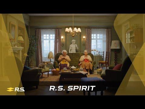 The R.S. spirit never stops - The knitting