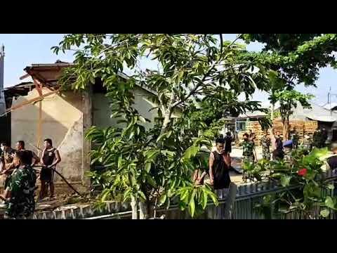 Satu Rumah Hancur karena Pesawat Jatuh di Kubang Raya