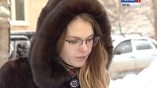 В Кирове нетрезвый гражданин сломал шлагбаум во дворе(ГТРК Вятка)