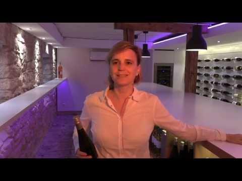 Rundgang durch das Ladengeschäft der Weinhelden in Baden-Baden. Wein kaufen mit Genuss.
