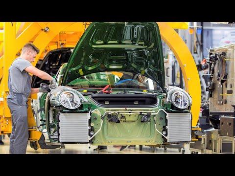 Besöker Porsche fabriken - monteringslinje av Porsche 911