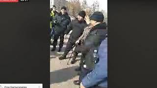 В Алматы стали задерживать сторонников Мухтара Аблязова. Митинг