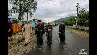 Закарпатье. Божественная литургия в Успенском храме, Синевир