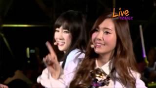 Girls' Generation 소녀시대_Wait a Minute_Gee_The Boys_HEC Kpop Festival in Vietnam