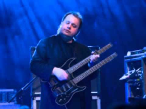 Marillion - 100 Nights (Steve Rothery Guitar Solo)