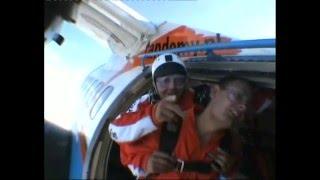 preview picture of video 'skok Kacpra ( Kacper Małdyty Przasnysz Spadochron Skok Tandem )'