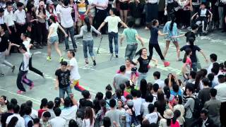 Video : China : Palace Museum dance fun