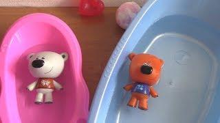 Ми-ми-мишки и БУРЛЯЩИЙ ШАР для ванны. Тучка и Кеша купаются
