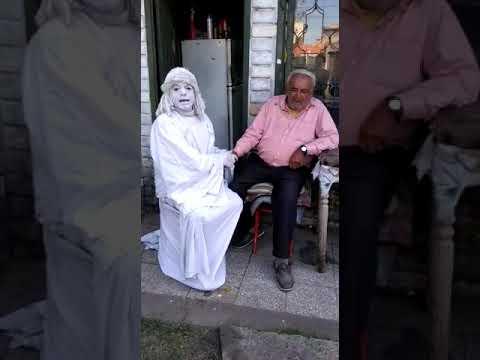 DURO VIDEO Estatua Justiciera: fue a la casa del jubilado que quieren desalojar