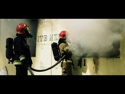 Eksperyment pożarowy domu drewnianego