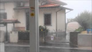 preview picture of video 'Super temporale su Bellaria, Igea Marina, Rimini e Cesenatico 25 giugno 2014'