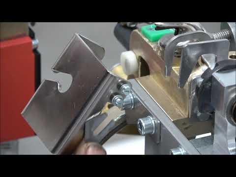 AXRO FQC2: Elastikbandet kapas inte korrekt