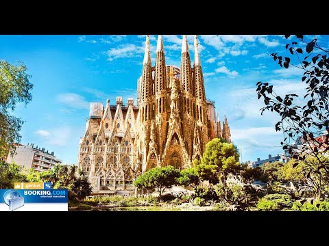 BARCELONA / SAGRADA LA FAMILIA / Wah ! Very cool there is no such church anywhere !