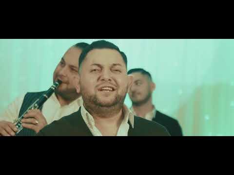 Puisor De La Medias – M-a ridicat familia Video