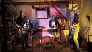 The Wohnzimmer - Baby stick around - Joe Jackson Cover