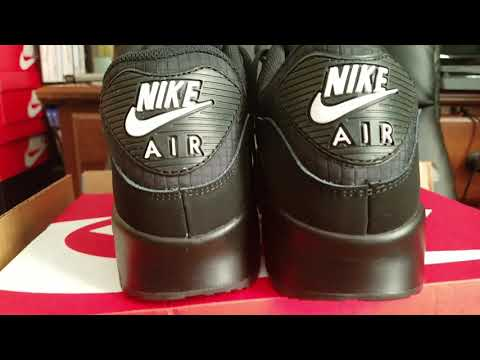 NEW Air Max 90 (Black and White)