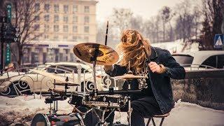 Street musician drummer. Amazing drum solo. Street performers!   Уличный музыкант, барабанщик