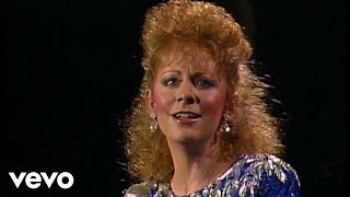 Reba McEntire – I Know How He Feels (Official Music Video)