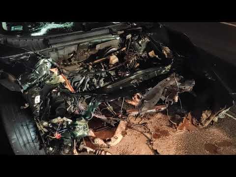 Wideo1: Czołowe zderzenie busa i osobówki w Otówku