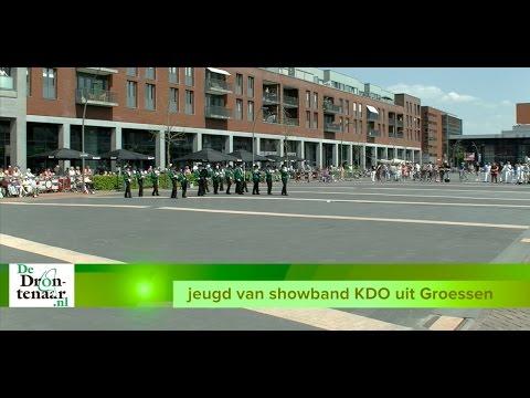 Wielrijderskorps Crescendo publiekstrekker tijdens Taptoe Dronten op 6 mei
