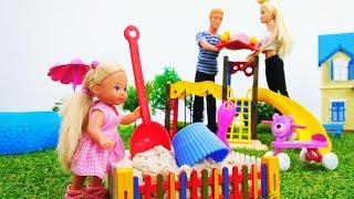 Барби и Кен делают площадку для Штеффи - Видео для девочек