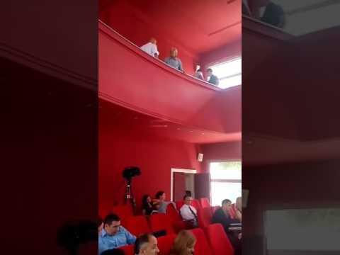 Sednica niške Skupštine prekinuta zbog nezadovoljnih građana (video)