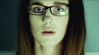 【麦绿素】封闭实验室内机器人因爱生恨,女主能否逃出魔爪《非凡》